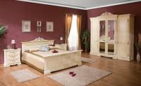 Бяла класическа спалня