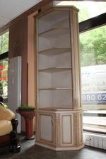 изработка на стъклени дървени витрини по поръчка